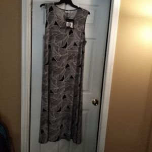 New Maxi dress for work or night out.
